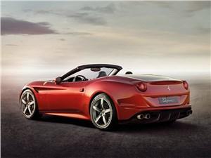 Ferrari California 2014 вид сзади сбоку