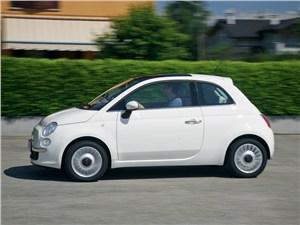 Fiat 500 2011 вид сбоку