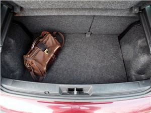 Fiat Punto 2012 багажное отделение