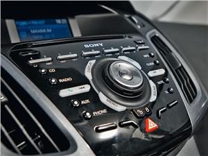 Предпросмотр ford focus 2011 центральная консоль