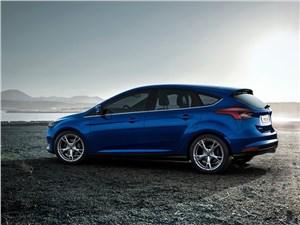 Ford Focus 2014 вид сбоку фото 2