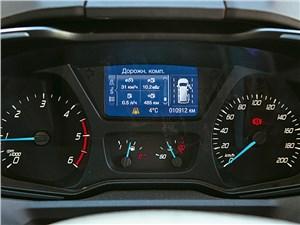 Ford Tourneo Custom 2013 приборная панель