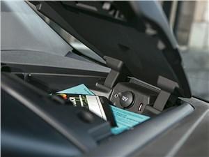 Ford Tourneo Custom 2013 интерьер