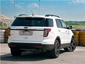 Ford Explorer Sport 2010 вид сзади