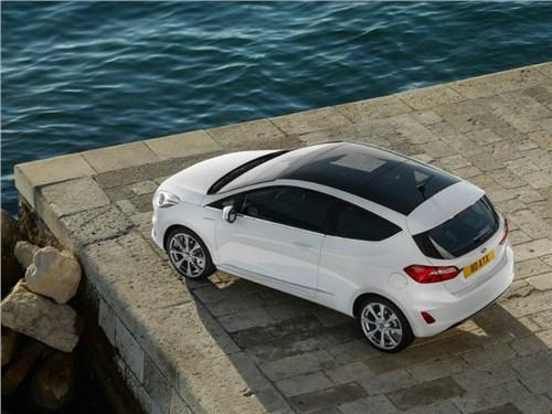 Новость про Ford Fiesta - Ford назвал дату официальной презентации хот-хэтча Fiesta