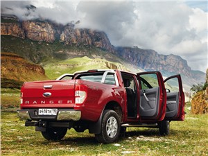 Практичный квинтет (Ford Ranger, Mazda B, Mitsubishi L200, Nissan Navara, SsangYong Musso Sports) Ranger - Ford Ranger 2012 вид сзади