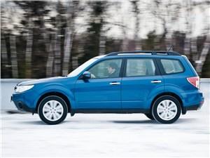 Subaru Forester 2013 вид сбоку