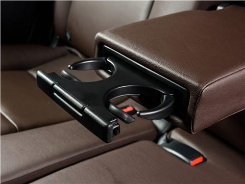 Toyota Fortuner 2016 подстаканник