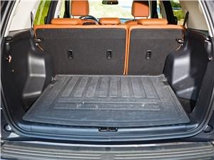 Предпросмотр land rover freelander 2 2013 багажное отделение