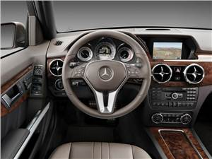 Mercedes-Benz GLK-Class - Mercedes-Benz GLK 2013 водительское место