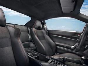 Toyota GT86 2012 передние кресла