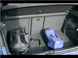 Предпросмотр volkswagen golf r 2009 багажное отделение