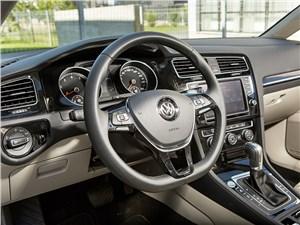 Volkswagen Golf VII 2013 7DSG водительское место