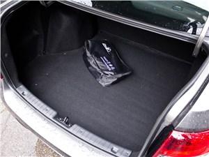 Lada Granta 2011 багажное отделение
