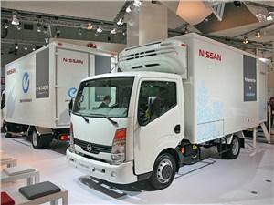 В Nissan Cabstar e-Refri-gerator литиево-йонный аккумулятор питает морозильный отсек