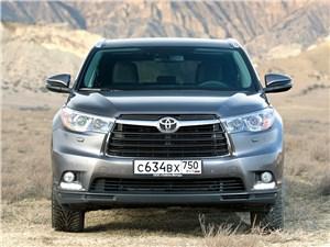 Toyota Highlander 2013 вид спереди фото 2