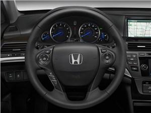 Honda Crosstour 2013 водительское место