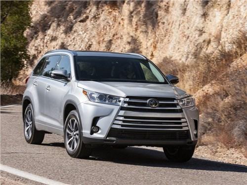 Новость про Toyota Highlander - Toyota рассказала об обновленном Highlander для российского рынка