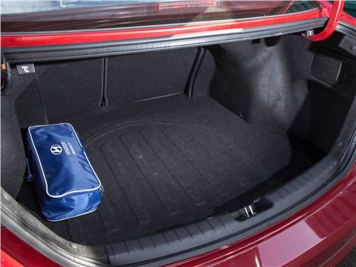 Hyundai Elantra 2017 багажное отделение