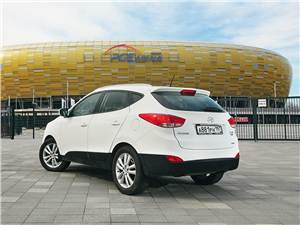 Hyundai ix35 2011 вид сзади