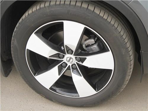 Предпросмотр volvo xc40 2018 колесо