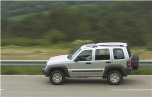 Предпросмотр jeep cherokee 2001 на шоссе