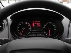Seat Ibiza 2012 приборная панель