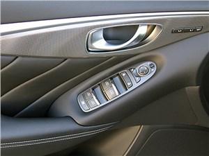 Infiniti Q50 2013 кнопки управления на двери