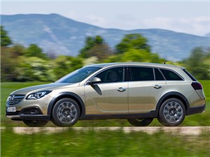 Opel Insignia Country Tourer 2014 вид сбоку