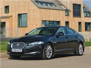 Новый Jaguar XF - Jaguar XF 2011 вид спереди