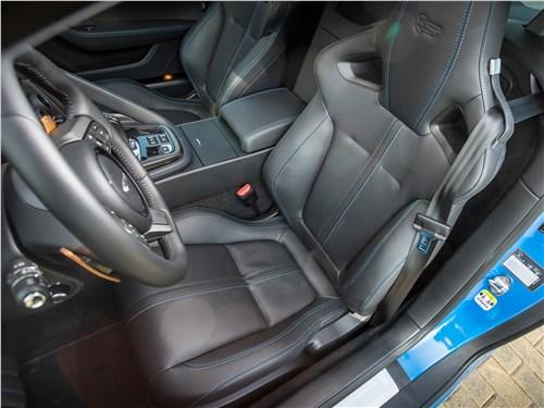 Jaguar F-Type S AWD Coupe 2016 передние кресла