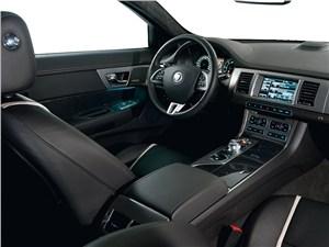 Предпросмотр jaguar xf 3.0d водительское место