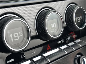 Jaguar F-Type 2013 управление климатом