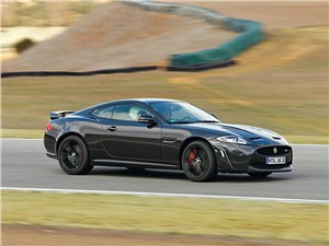 Jaguar XKR-S вид сбоку