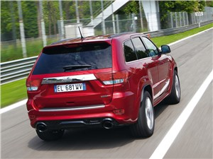 Jeep Grand Cherokee SRT8 2012 вид сзади