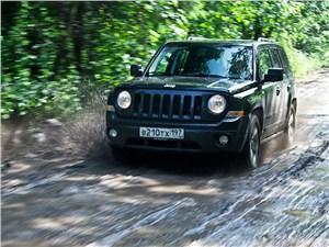 Jeep Liberty - jeep liberty 2007 вид спереди