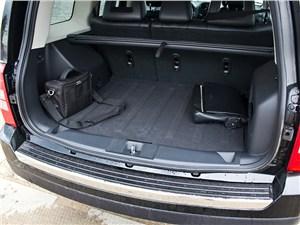 Предпросмотр jeep liberty 2007 багажник