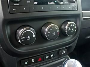 Предпросмотр jeep liberty 2007 климат-контроль