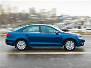 Volkswagen Jetta 2011 вид сбоку