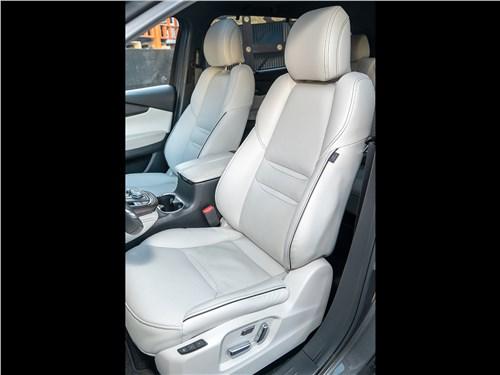 Mazda CX-9 (2021) передние кресла