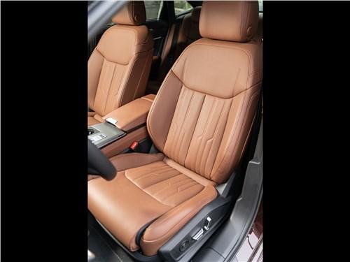 Audi A6 45 TDI (2020) передние кресла