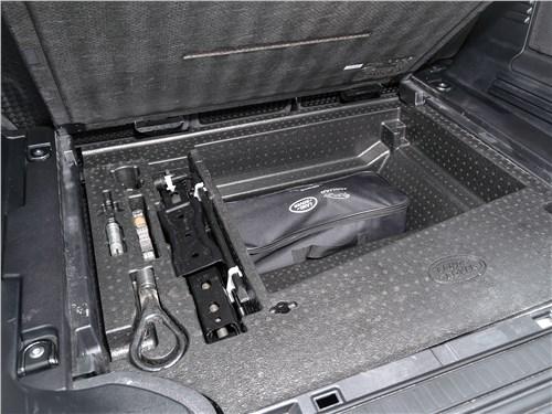 Land Rover Defender 110 (2020) багажное отделение