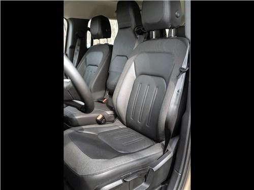 Land Rover Defender 110 (2020) передние кресла