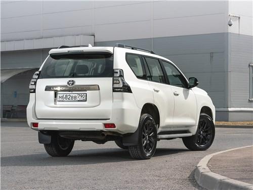 Toyota Land Cruiser Prado (2017) вид сзади