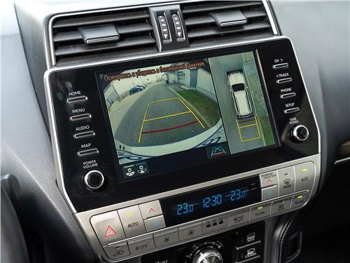 Toyota Land Cruiser Prado (2017) центральная консоль