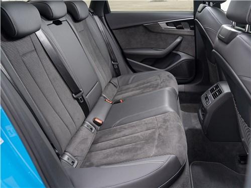Audi A4 (2020) задний диван