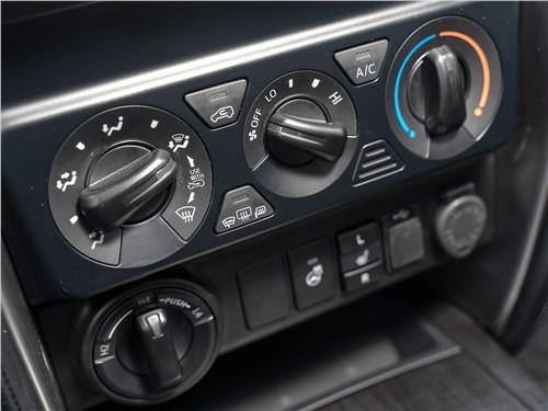 Toyota Fortuner (2021) управление климатом