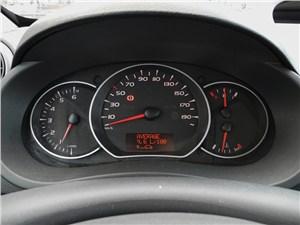 Renault Kangoo 2012 приборная панель