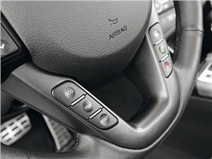 Kia Optima 2011 кнопки управления на руле