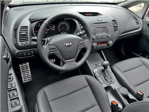 Kia Cerato 2013 водительское место